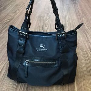 💯 % authentic Burberry shoulder bag